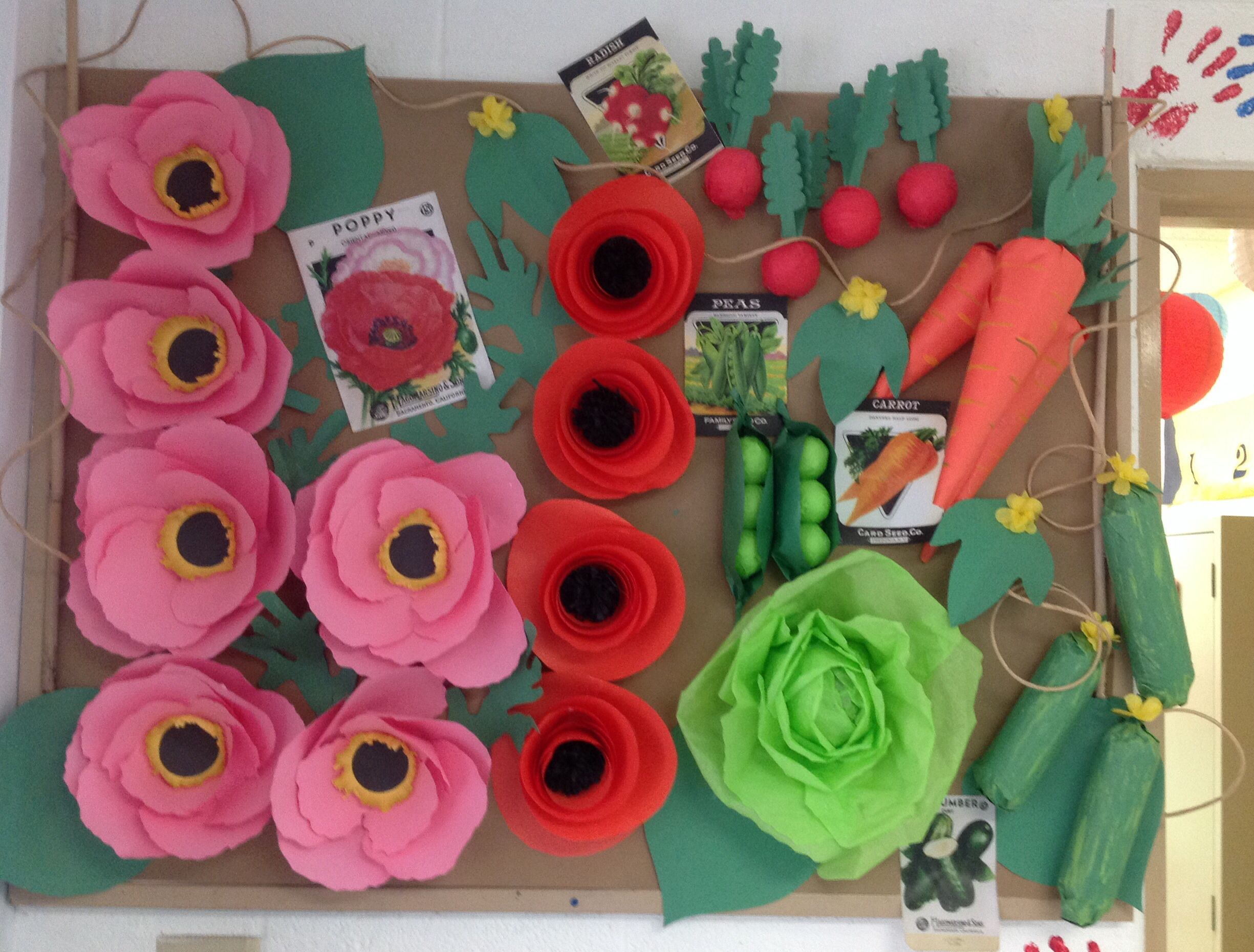 Go green vegetable bulletin board idea myclassroomideas com - Eat More Vegetable Bulletin Board