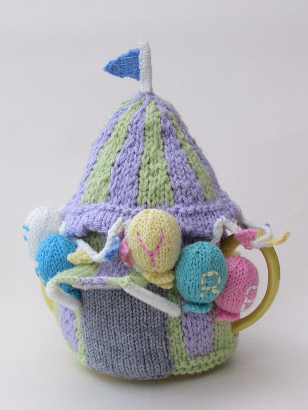 A Summer Fayre tea cosy would be perfect for alfresco tea times and ...