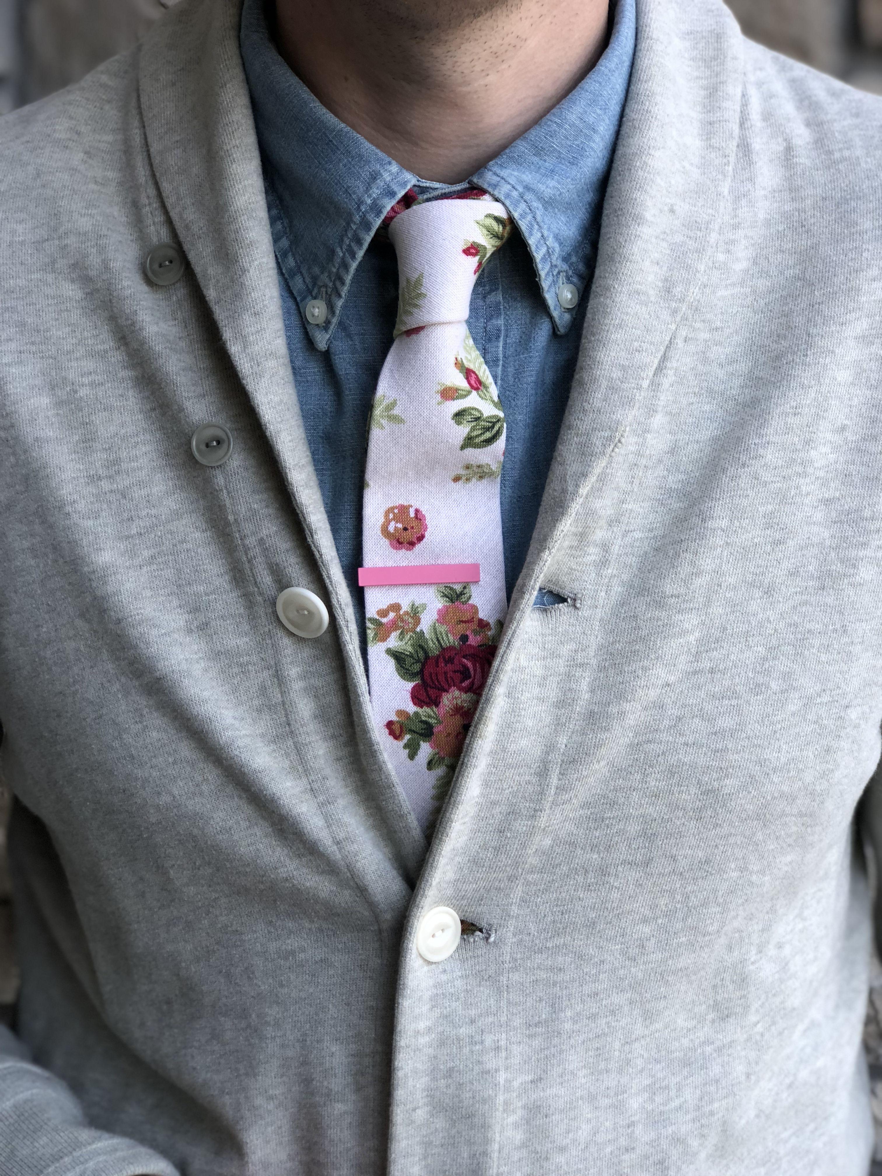 9e684fc5a2c0 Floral Tie, Skinny Tie, White Floral Tie, Pink Floral Tie, Tie Bar, Pink Tie  Bar, Men's Fashion, Menswear, Men's Fashion Accessories