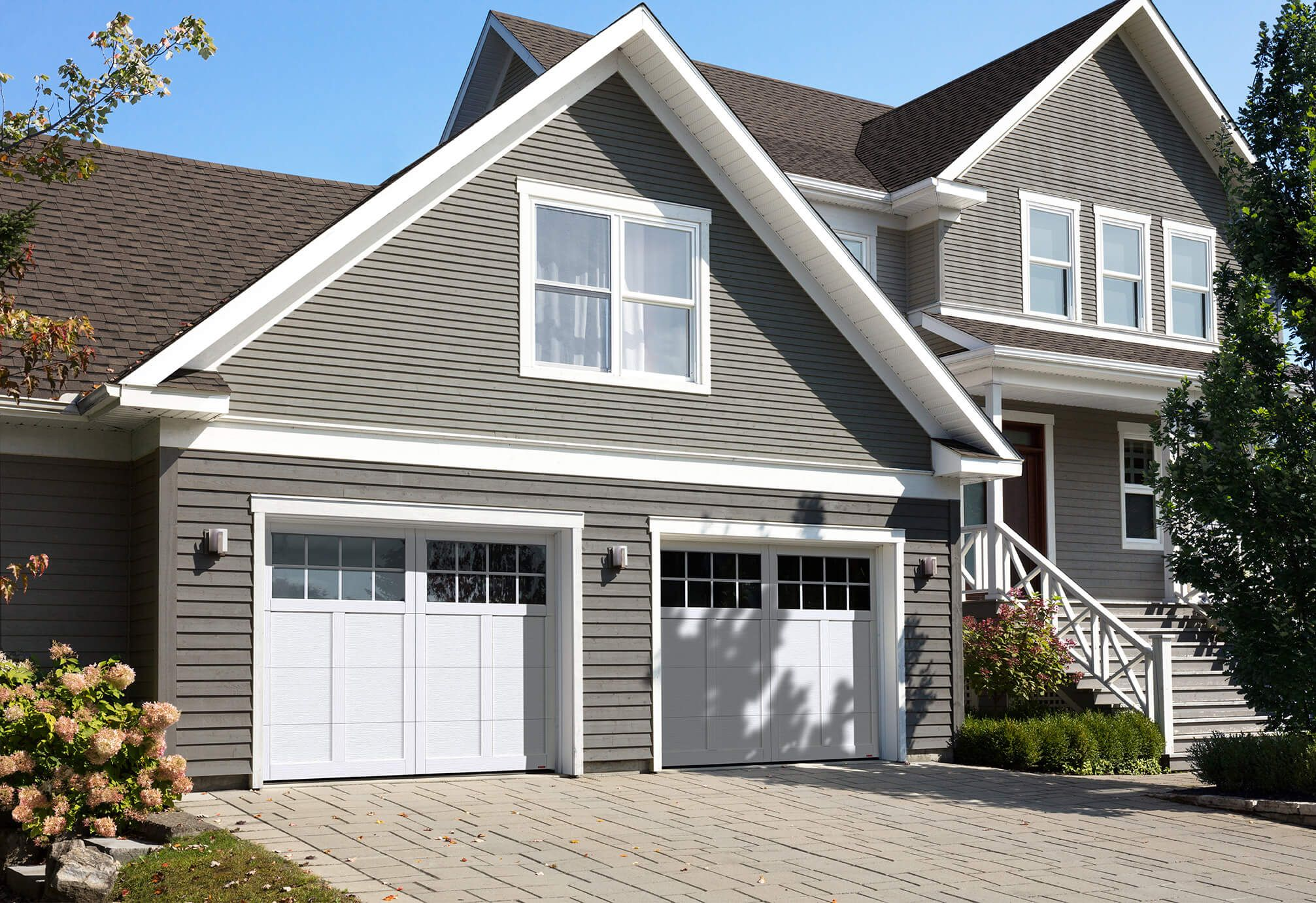 Garaga Princeton P 12 9 X 7 Ice White Doors And Overlays 8 Lite Panoramic Windows Garage Doors Garage Door Windows White Garage Doors