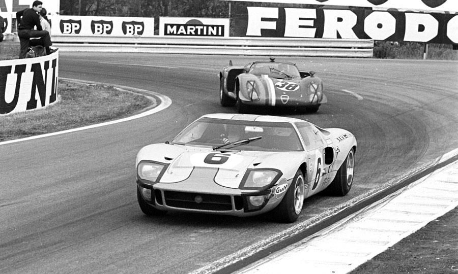Looking Back 1969 Ford Gt40 Wins Fourth Straight 24 Hours Of Le Mans Ford Gt40 Ford Racing Ford Gt