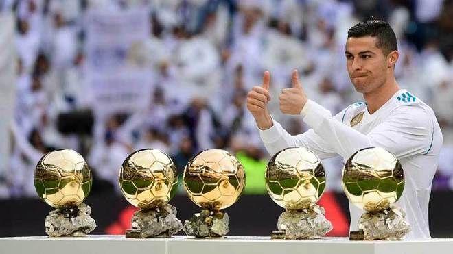 Cristiano Ronaldo ofrece su quinto Balón de Oro al Bernabéu ... 83e2a8fafbb80