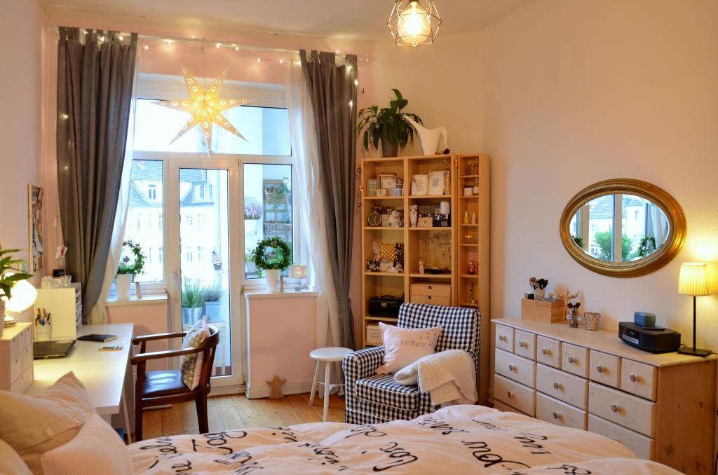 helles und gem tliches wg zimmer mit gro em fenster wg zimmer einrichtung schlafzimmer. Black Bedroom Furniture Sets. Home Design Ideas