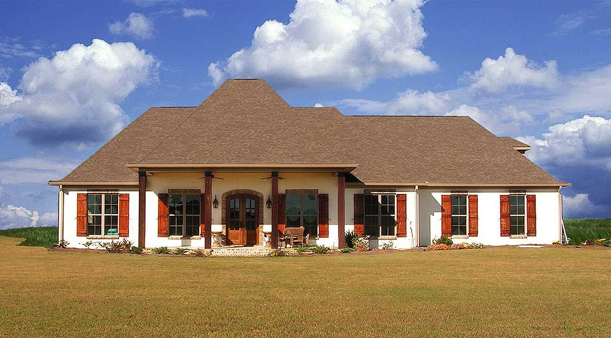 Plan jw secluded master suite acadian house plans counter