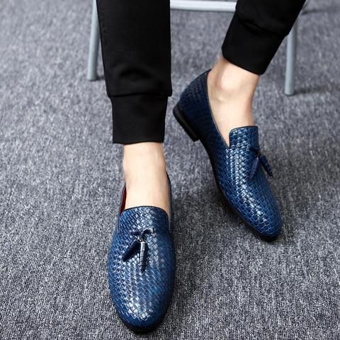 Mens' Oxford Tassel Shoes #urbanclothes #urbangear #hipster #ootd #outfit #outfitoftheday #outfitinspiration #brand #boutique #outfitgrid #streetbeast #minimalism #streetfashion #highsnobiety #contemporary #dtla #gq #yeezy #losangeles #style #simplefits #pinfashion #pinterestfashion #shoes #menshoes