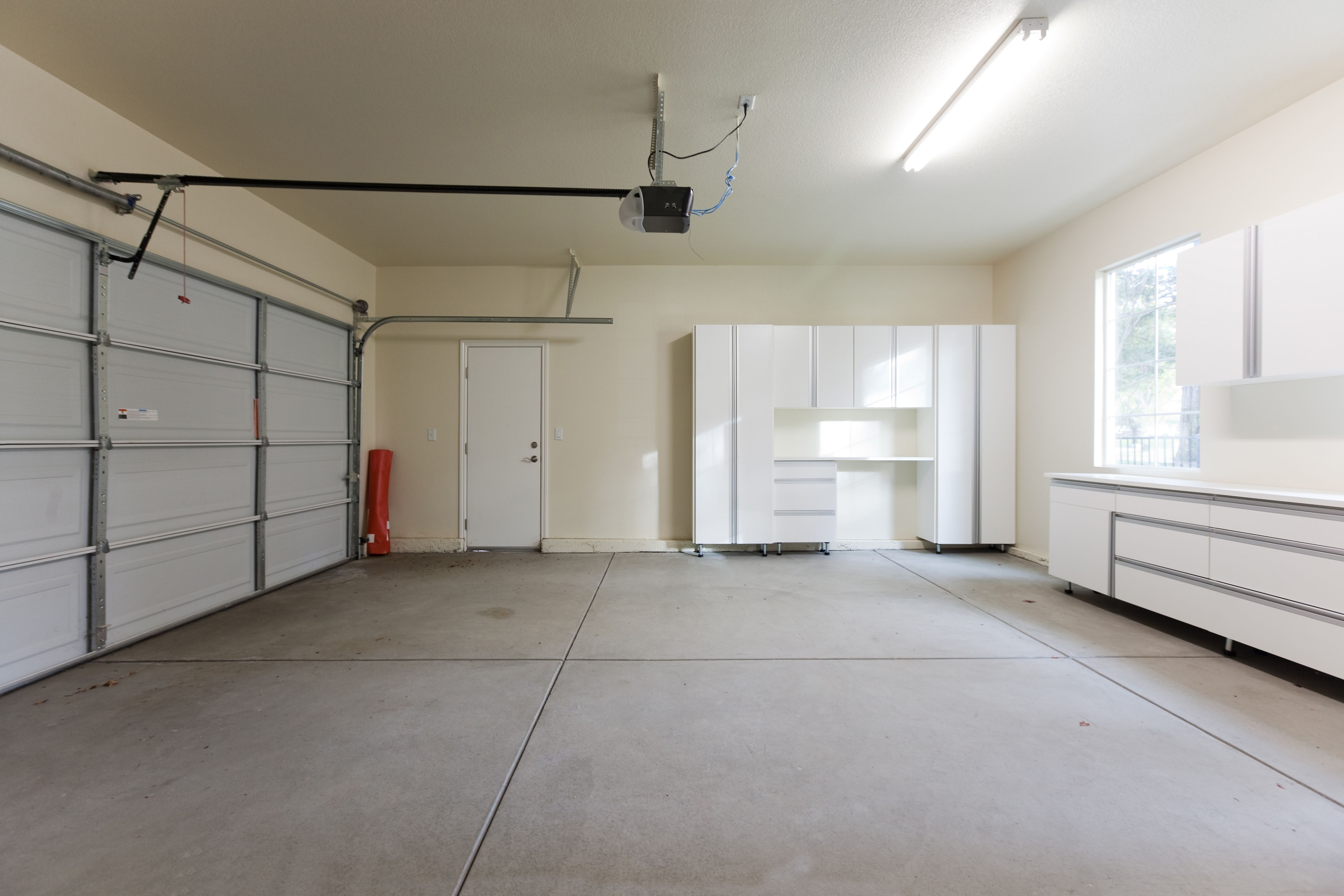 Cool Garage Interiors Garage Wall Color Ideas Hot Rod Metal Wall Art Garage Beleuchtung Garagenbeleuchtung Garagen Renovieren