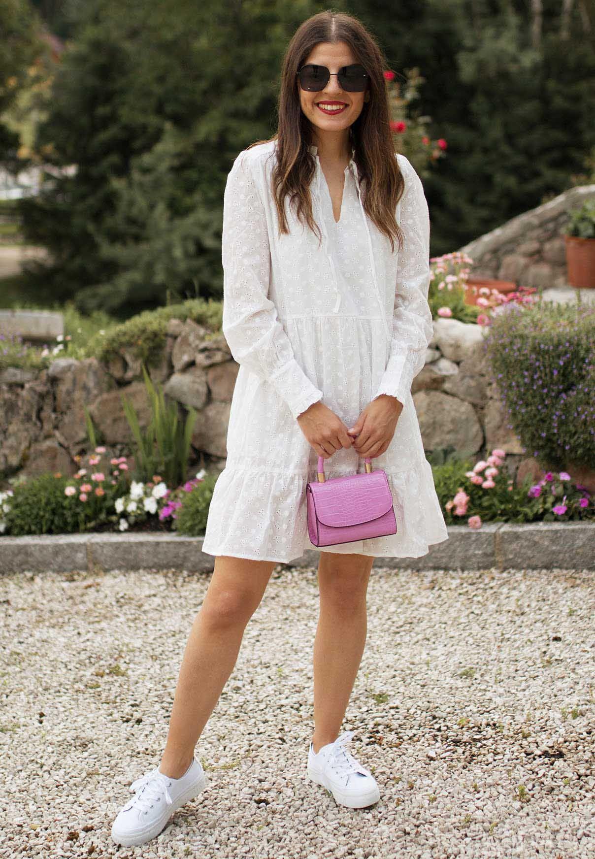 Spring: Weißes Kleid & weiße Sneaker in 18  Modestil, Outfit