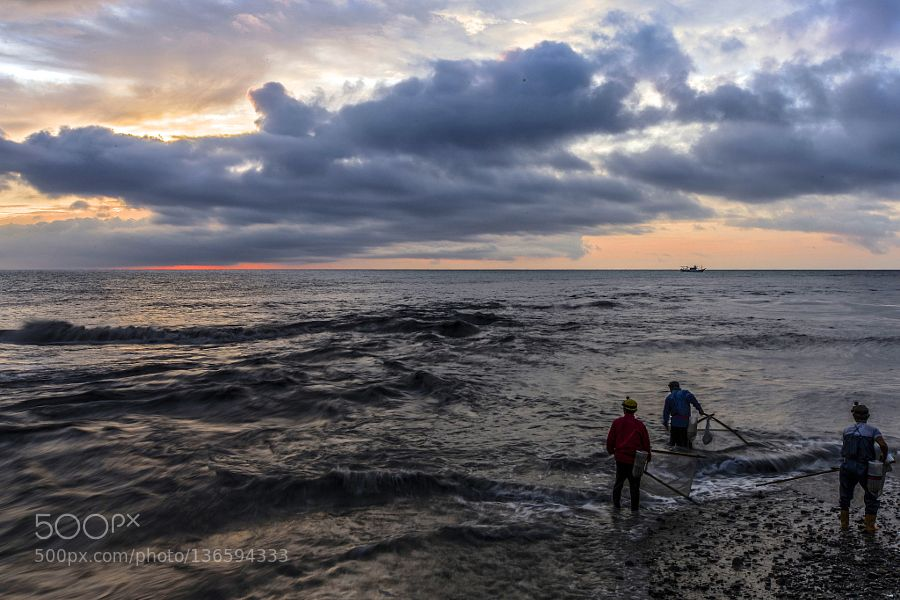 Popular on 500px : Fishing people by lucaschien1