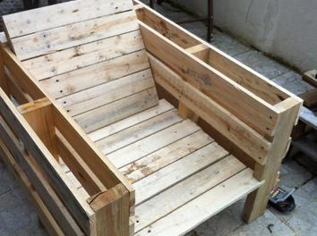 salon de jardin en palettes fauteuil palettes pinterest palette mobilier de salon et bois. Black Bedroom Furniture Sets. Home Design Ideas