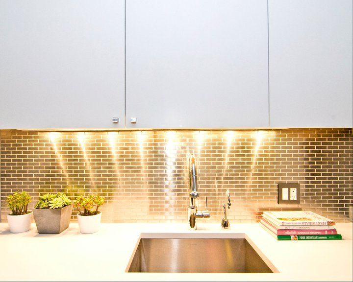 Kinda Obsessed With Gold Backsplashes Lately Kitchen Design