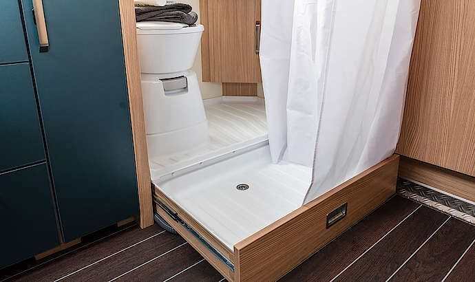 SPORT & FUN Interior pull-out shower tray #camperinterior #campеr