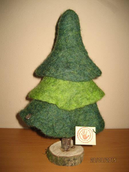 deko tannenbaum baum handgefilzt gro von filz holz und. Black Bedroom Furniture Sets. Home Design Ideas