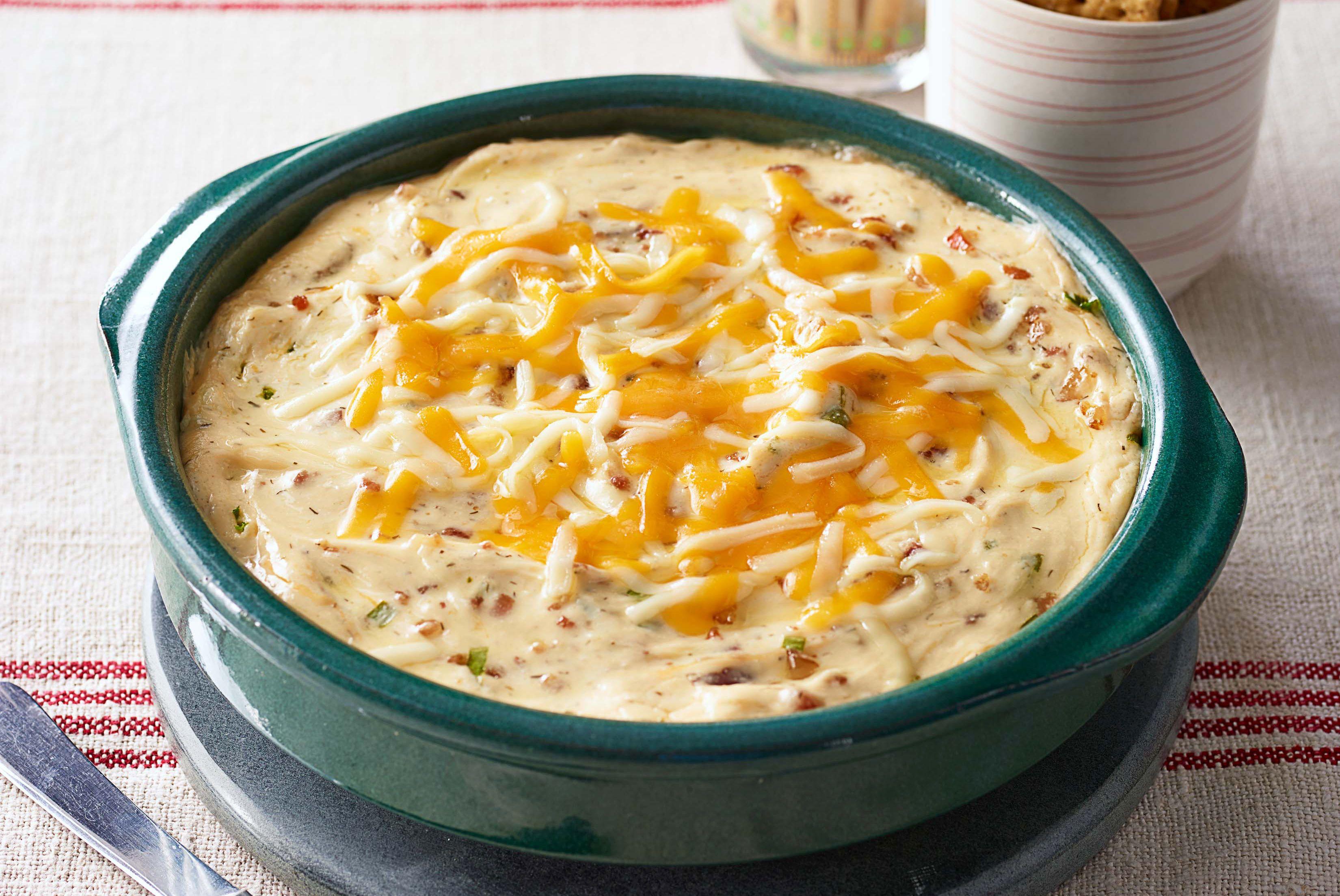 Dip caliente de queso y tocino