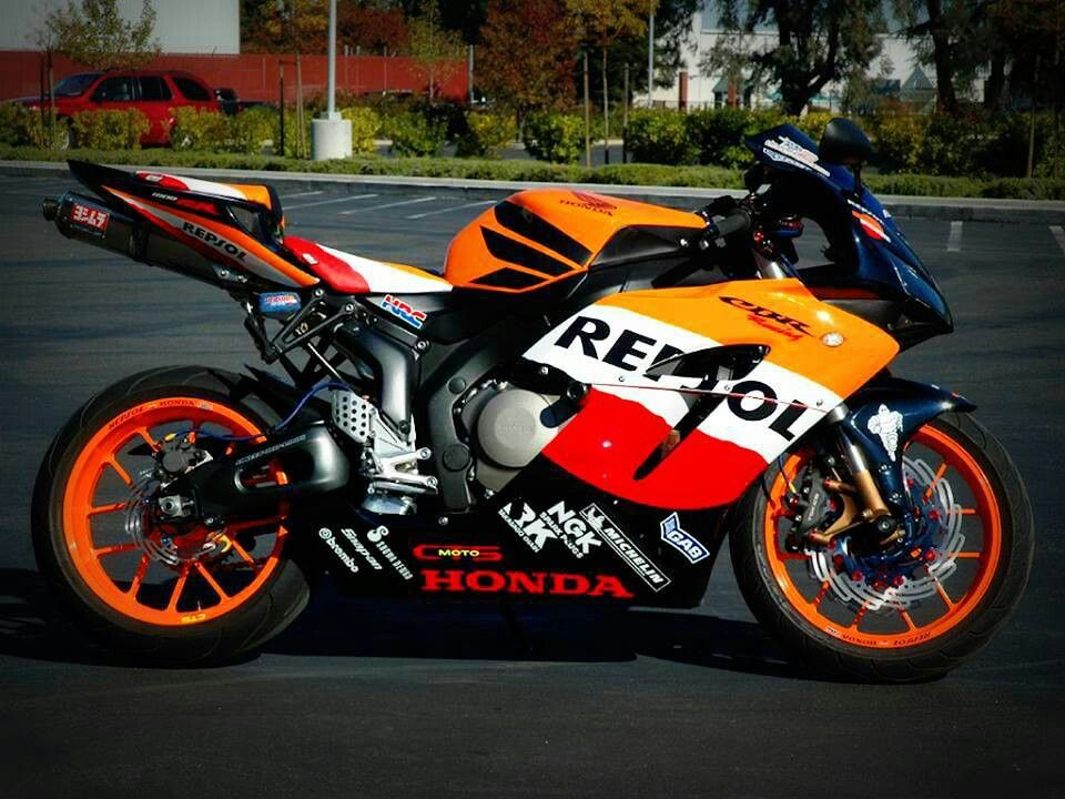 I have always loved the design on the Honda repsol bike. (Thanks ...