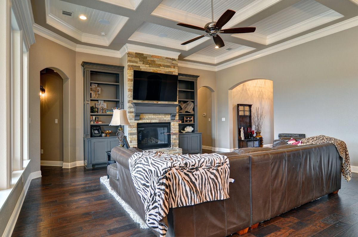 Couto homes paint color scheme walls and ceilings sherwin for Sherwin williams ceiling paint colors