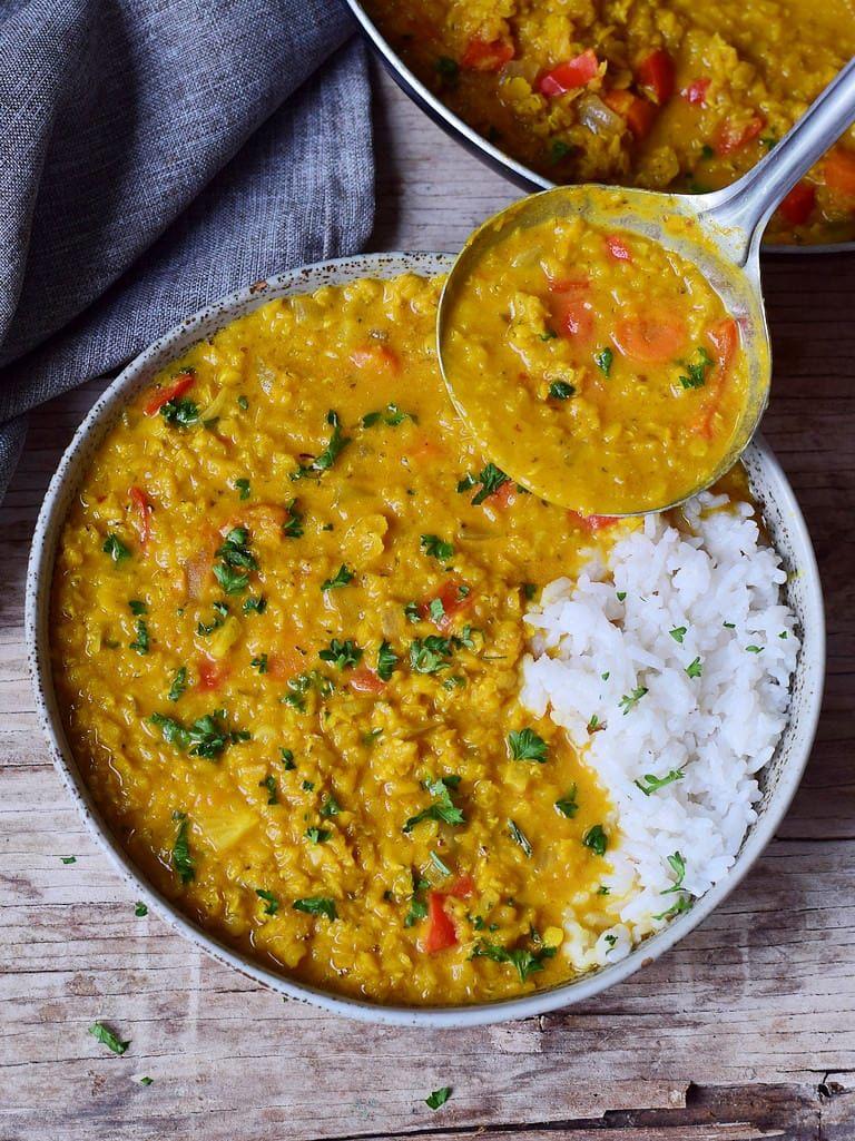 Einfaches rotes Linsen Dal Rezept   schnelles, veganes Curry - Elavegan