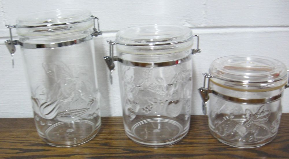 941c2b6ba90a VINTAGE KITCHEN CANISTERS - SET OF 3 - FRUIT PATTERN - AIR-TIGHT ...
