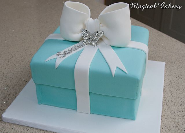 Tiffany Box Cake In 2019 Cakes Tiffany Cakes Box Cake