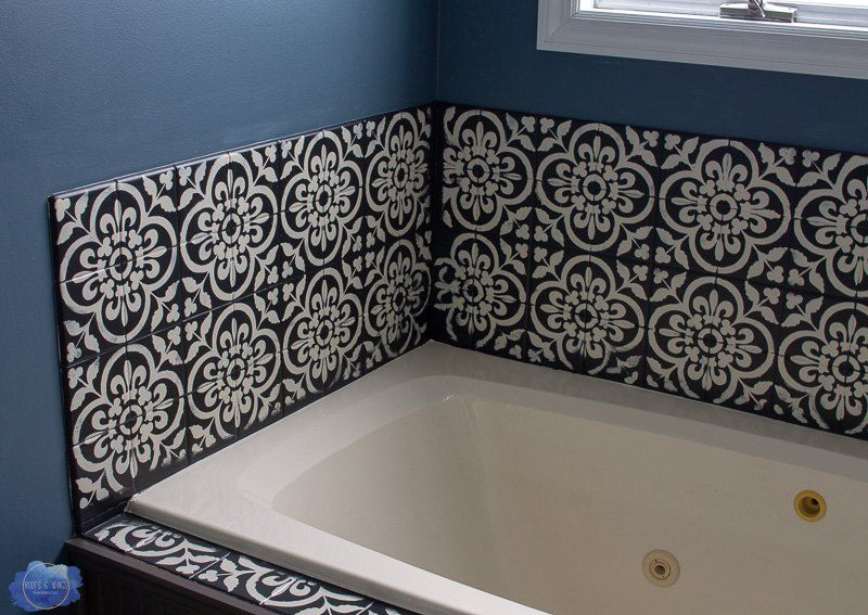 how to paint over that ugly bathroom tile diy in 2019 decor rh pinterest com