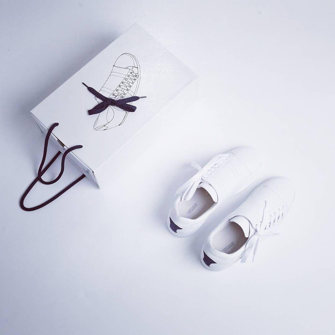 Galeries Lafayette On Instagram Slash Blanche Noire Ou Bleue Pour Quelle Couleur Allez Vous Craquer Sneakers Slashbycompto Sneakers White Sneaker Shoes