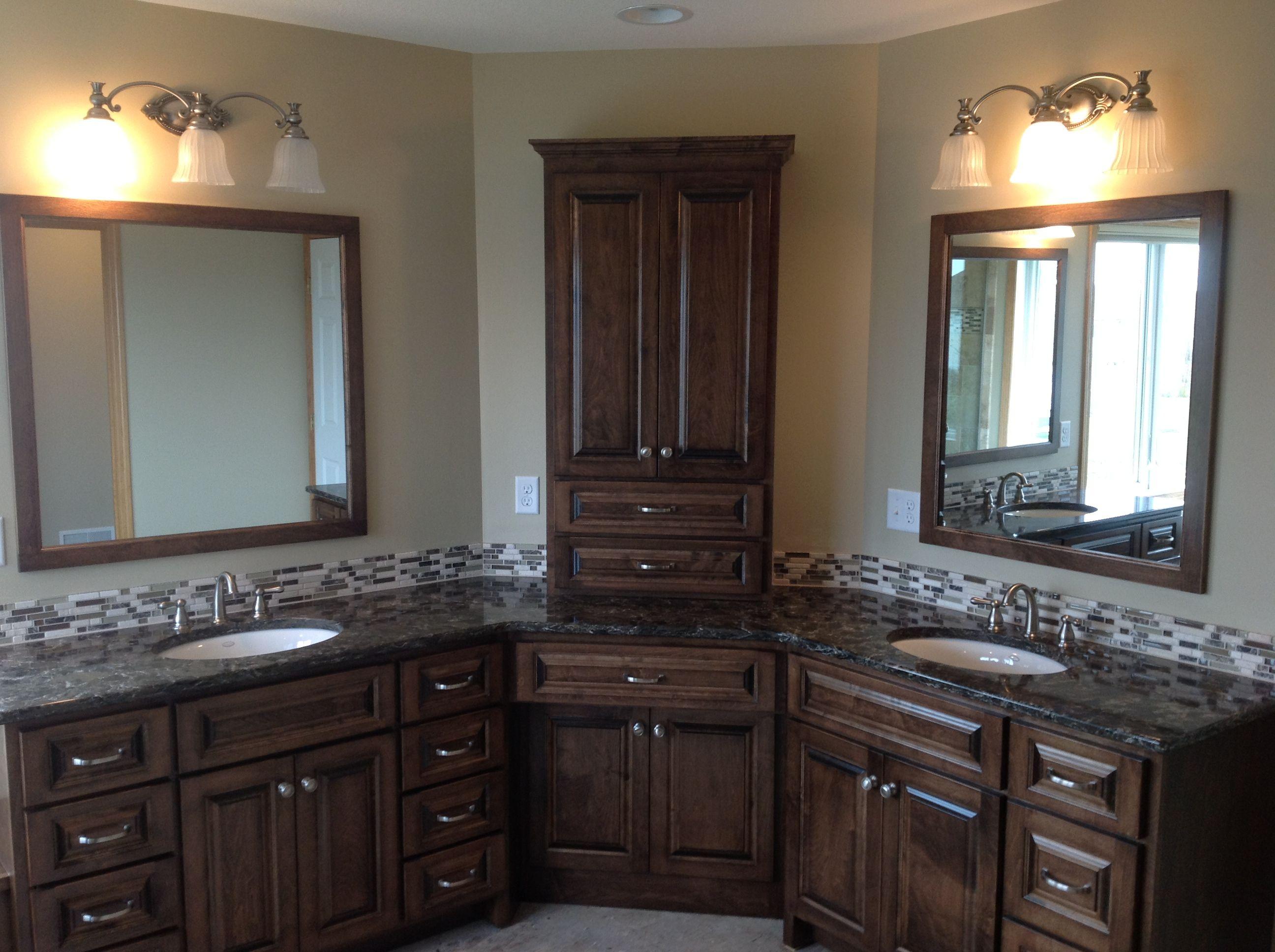 Lacquer Wooden Bathroom Corner Cabinet