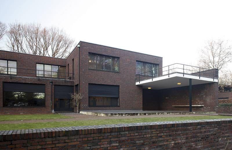 Ludwig Mies Van Der Rohe Haus Lange In Krefeld Wolf Villa