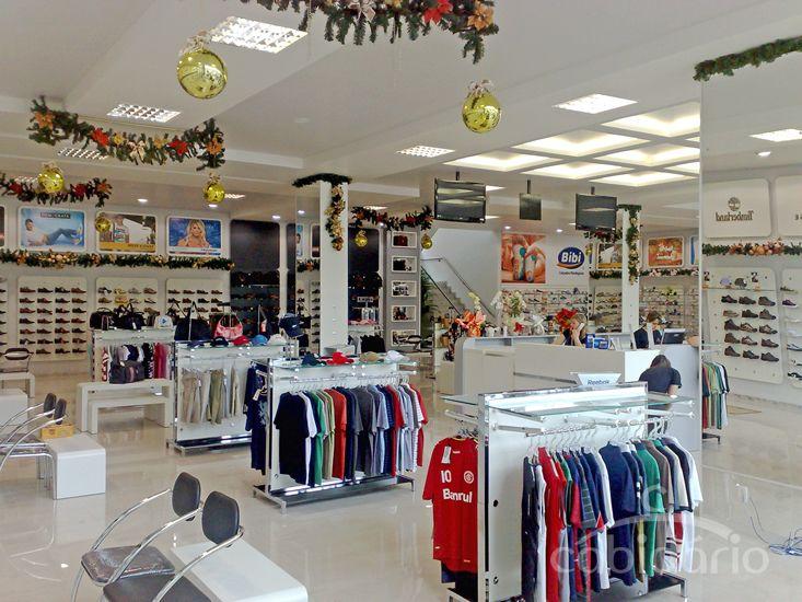 2da85427da Loja de calçados e confecções esportivos