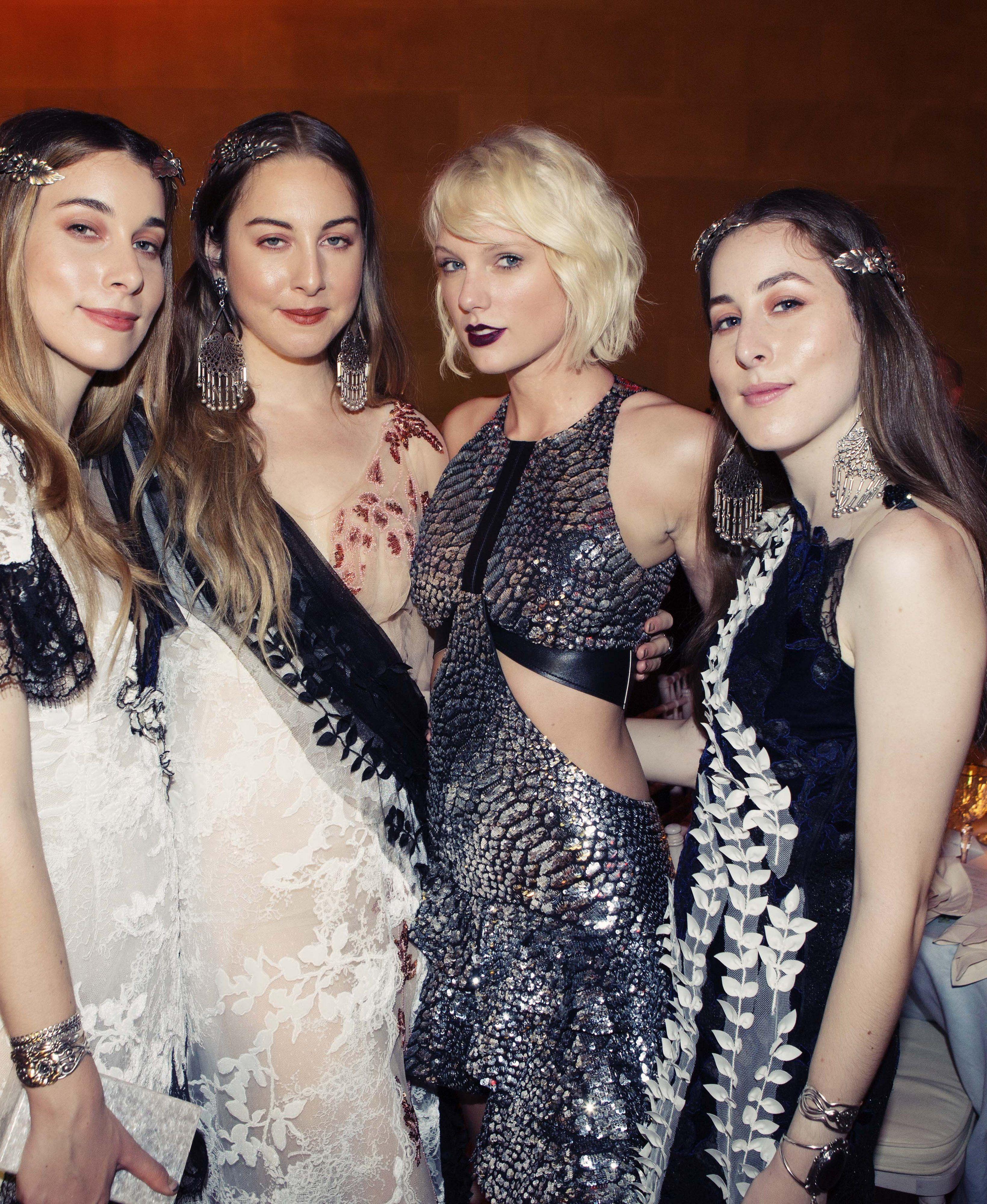 Inside the 2016 met gala fashionstyle high fashion gowns inside the 2016 met gala este haim danielle haim taylor swift and alana haim m4hsunfo