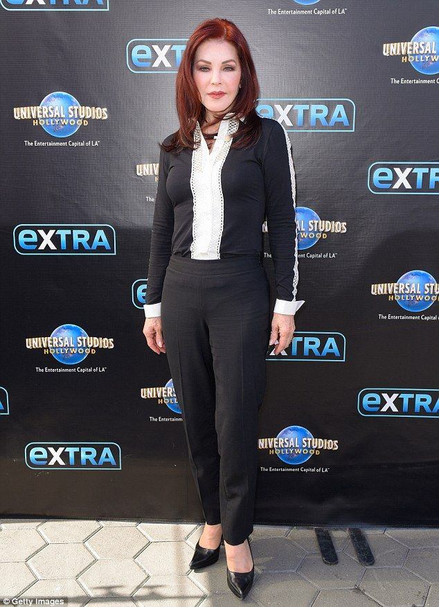 Priscilla Presley Shows Off Figure In Skintight Trousers While In La Ageless Beauty Priscilla Presley Looking Stunning
