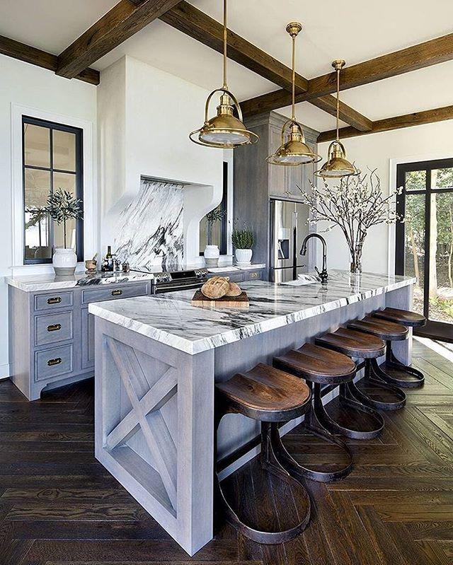 Look at this stunning kitchen by @elizabethmillerreich she ...