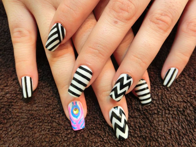 Zebra-Zig-Zag-And-Stripes-Black-And-White-Gel-Nail-Art-Design-Idea ...