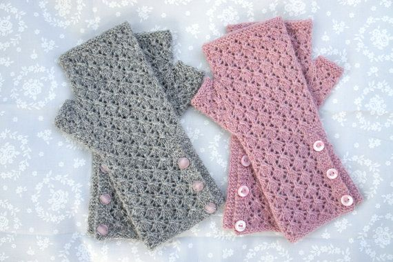 $5.40 pattern: Grace Knitting Pattern PDF - Lace Fingerless Mitts - Vintage - Buttons