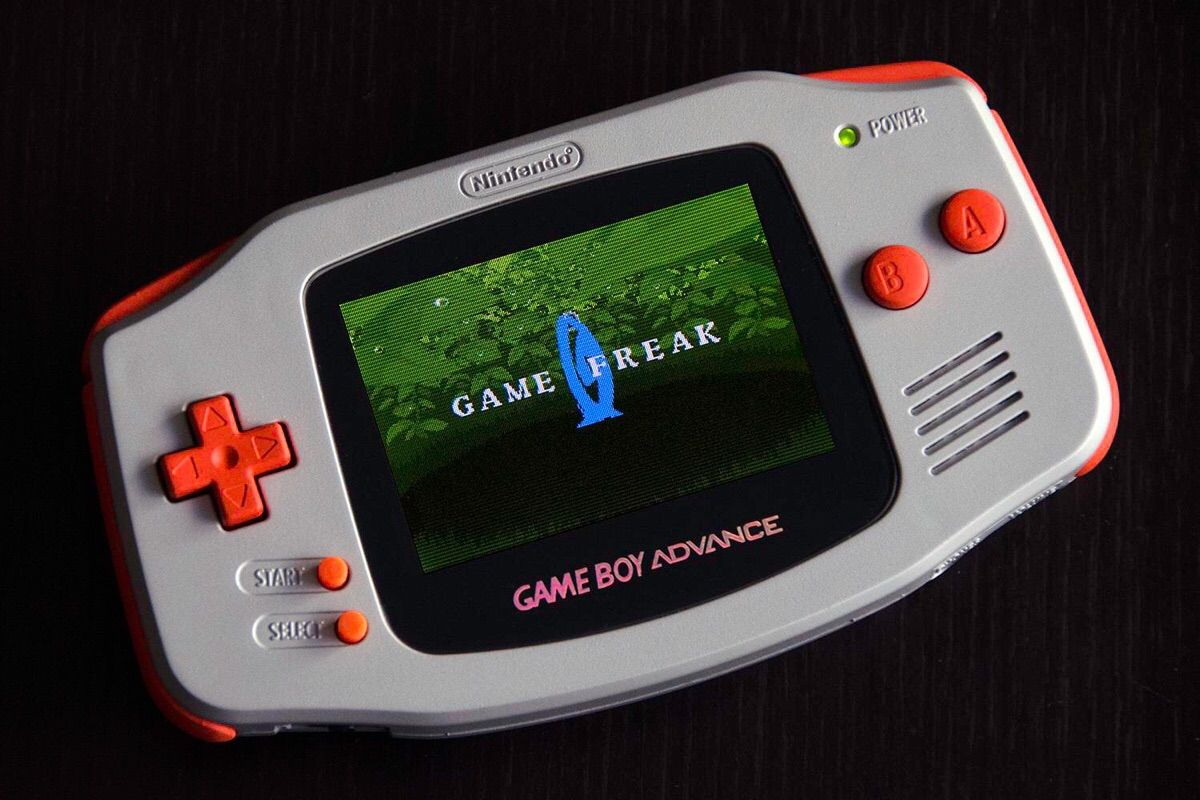 guys my gameboy advance turned on after 10 years gaming