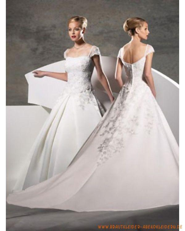 Luxuriöses gesticheltes Brautkleid mit Perlen