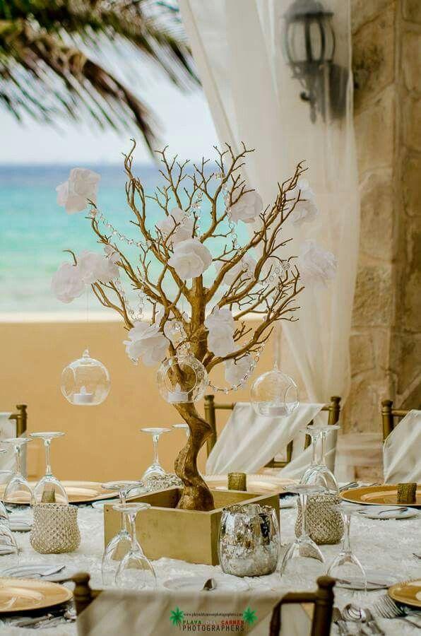 Centro de mesa dorado con blanco ideas bonitas for Mesas de centro bonitas