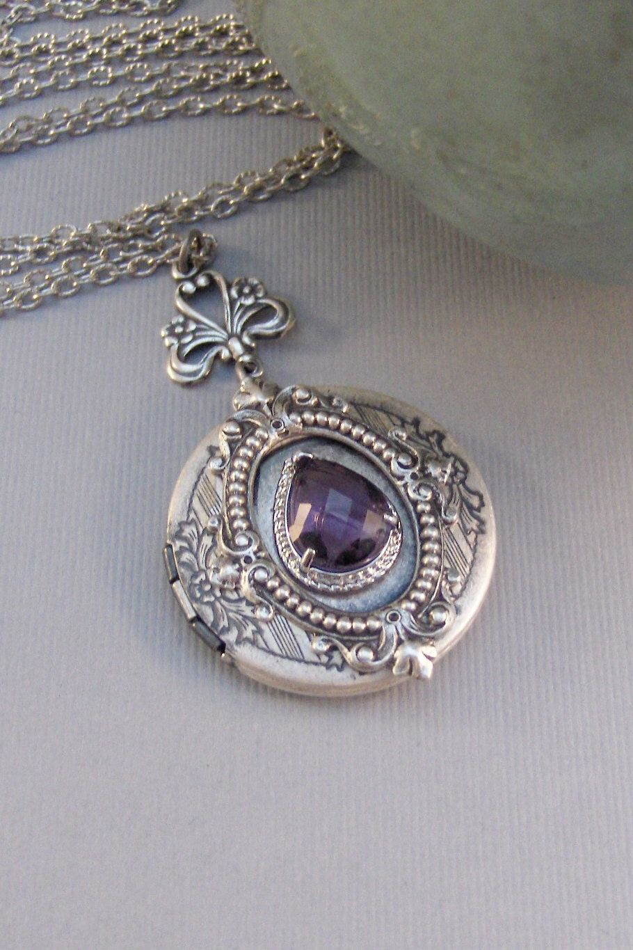 yellow art premier gold ct jewellery the lockets antique s amethyst antiques victorian pearl online locket seed portal emerald uk and
