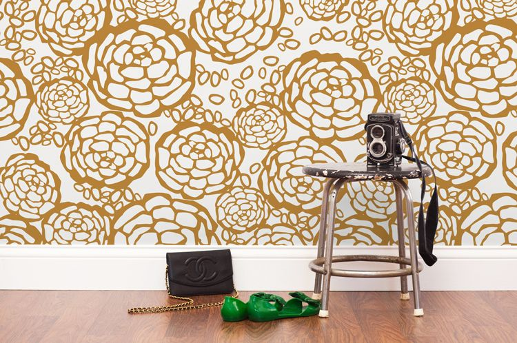 Gold flower wallpaper
