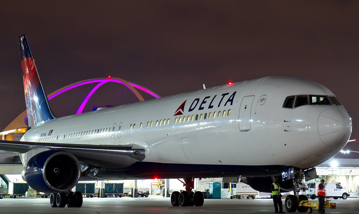 Boeing 767 image by Kevin Gibas on Airplanes Aviation