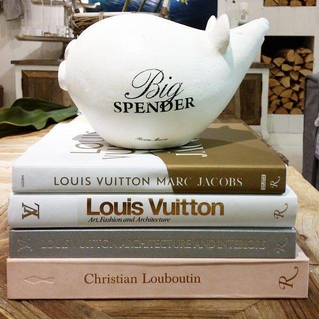 #ShareIG Hey Big Spender!   Vi har et stort utvalg av designer coffee table books.  #louisvuitton #marcjacobs #louboutin #design #coffeetablebook #design #bøker #sparebøsse #bigspender