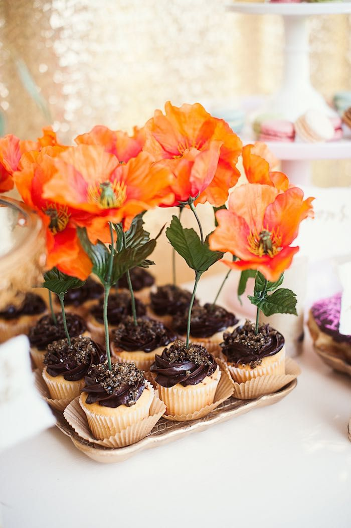 Cupcakes from a first birthday garden party via kara 39 s for Small birthday party ideas for adults