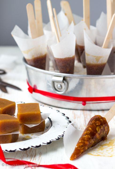 Kattilassa porisevan seoksen siirappinen tuoksu on huumaava - nyt tehdään nekkuja! Näistä aineksista syntyy makeaakin makeampi joulu. Rakenne on sopivan pehmeä myös pienemmän tonttuilijan hampaille. Säilytä nekut viileässä. Nekuissa käytettyjä puutikkuja saa leivontatarvikekaupoista. 20 kappaletta 2 dl kuohukermaa 2 dl tummaa siirappia 2 dl sokeria 1 ½ dl mantelirouhetta tai 2 dl mysliä (esim. Sysmän […]
