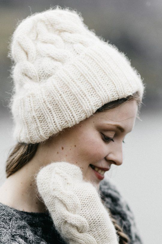 20+ Free Cabled Hat Knitting Patterns | Patons classic ...