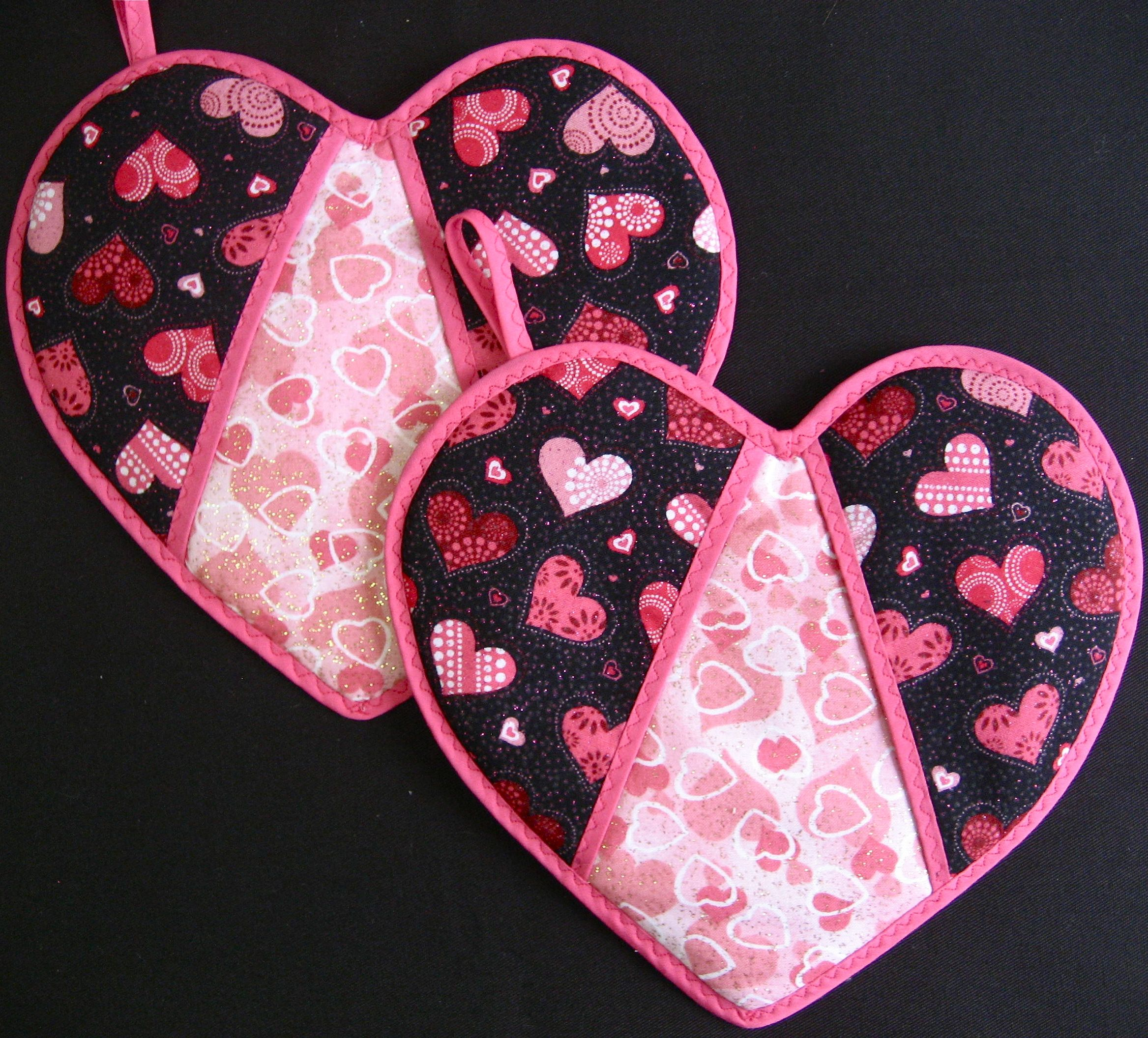Free Fabric Pot Holder Patterns | just love this sweet pot holder ... : quilted potholder pattern free - Adamdwight.com