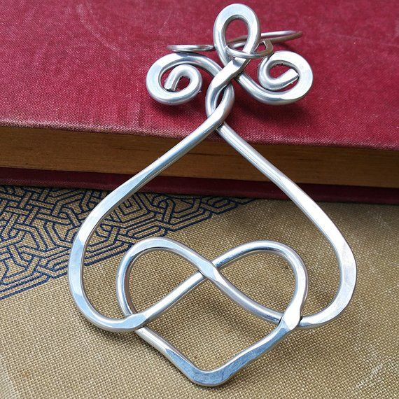 Celtic Double Entwined Heart 10th Anniversary Gift