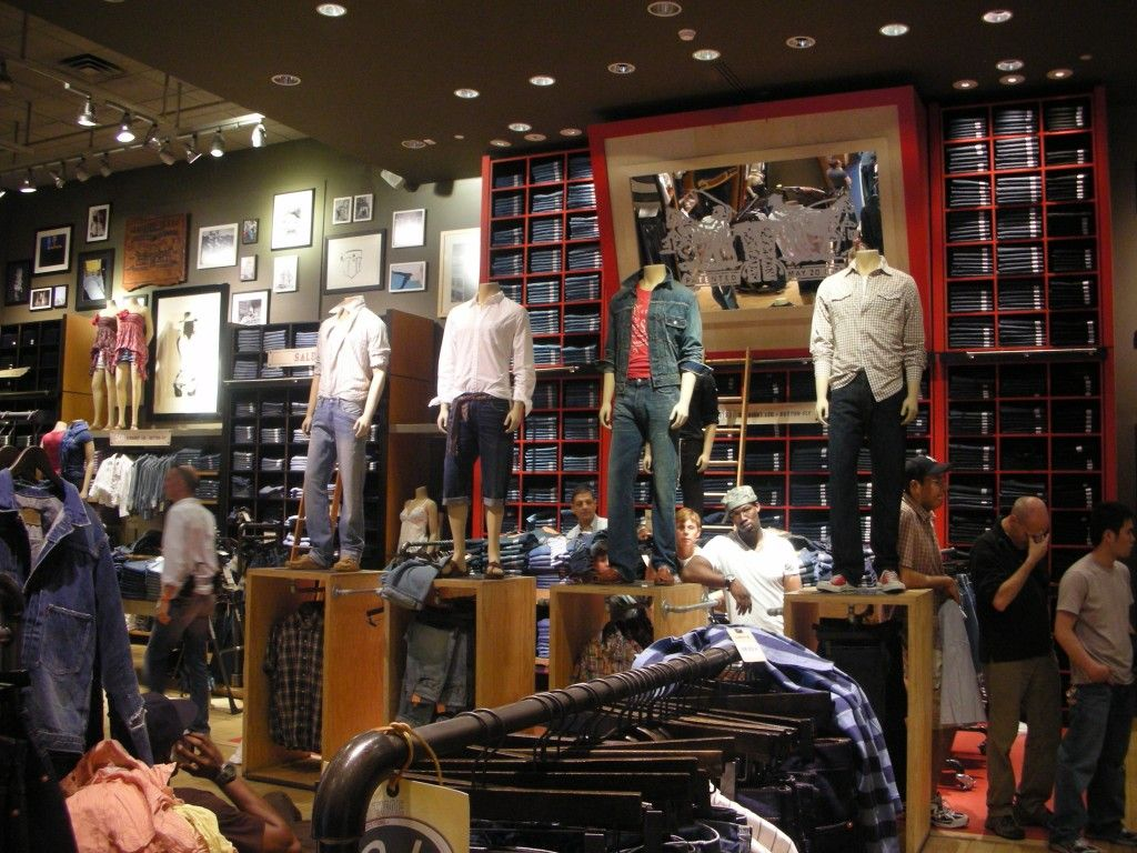 visual merchandising of levis bangalore Transcript of visual merchandising of levis store, shillong an original brand image from the start the 1930s was a time when levi's adopted a very authentic and classic brand image that appealed to only cowboys, lumberjacks and railroad workers.