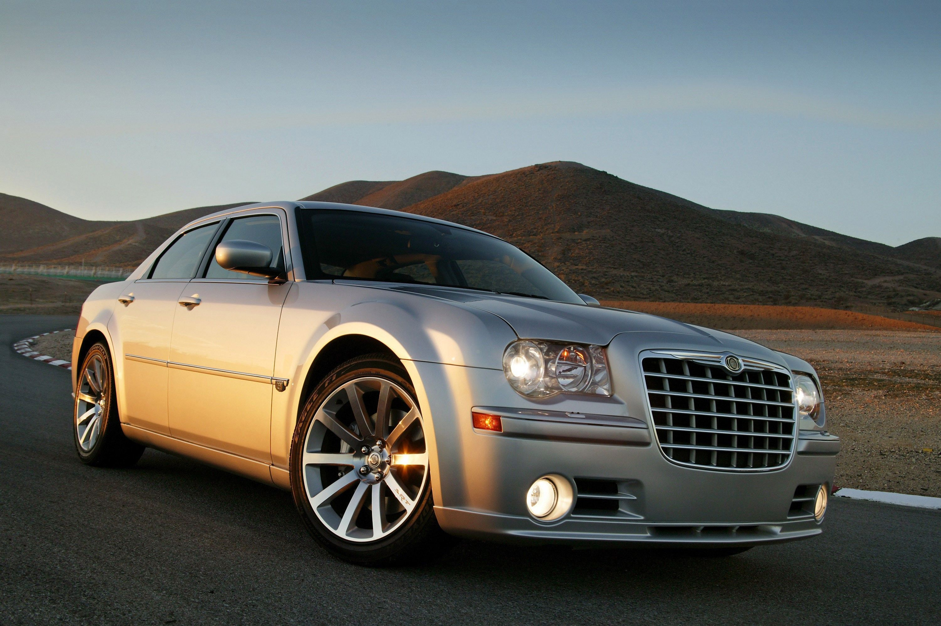 2020 Chrysler 300 Srt8 New Model And In 2020 Chrysler 300