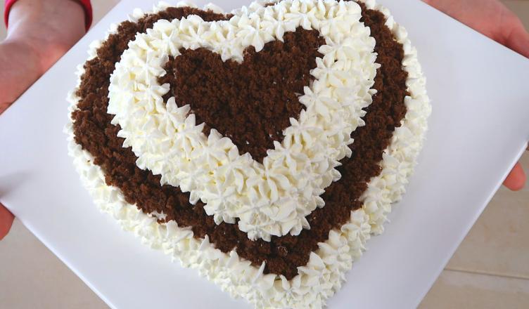 Ricette per torte a forma di cuore