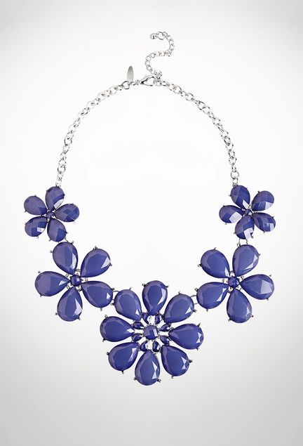 Floral Bib #Necklace #accessorieshttp://to.faearch.me/1JO5LrE