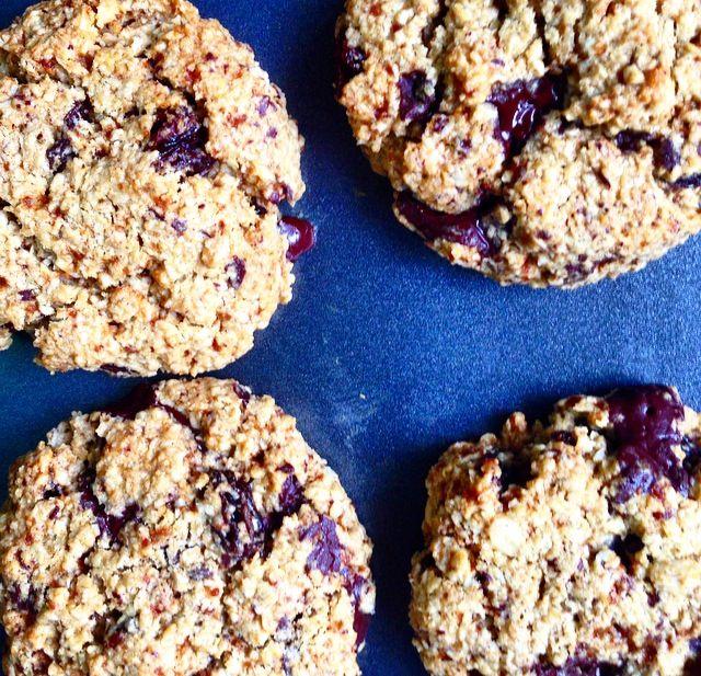 Super Simple Gluten Free Oatmeal Cookies | Jennifer Moore