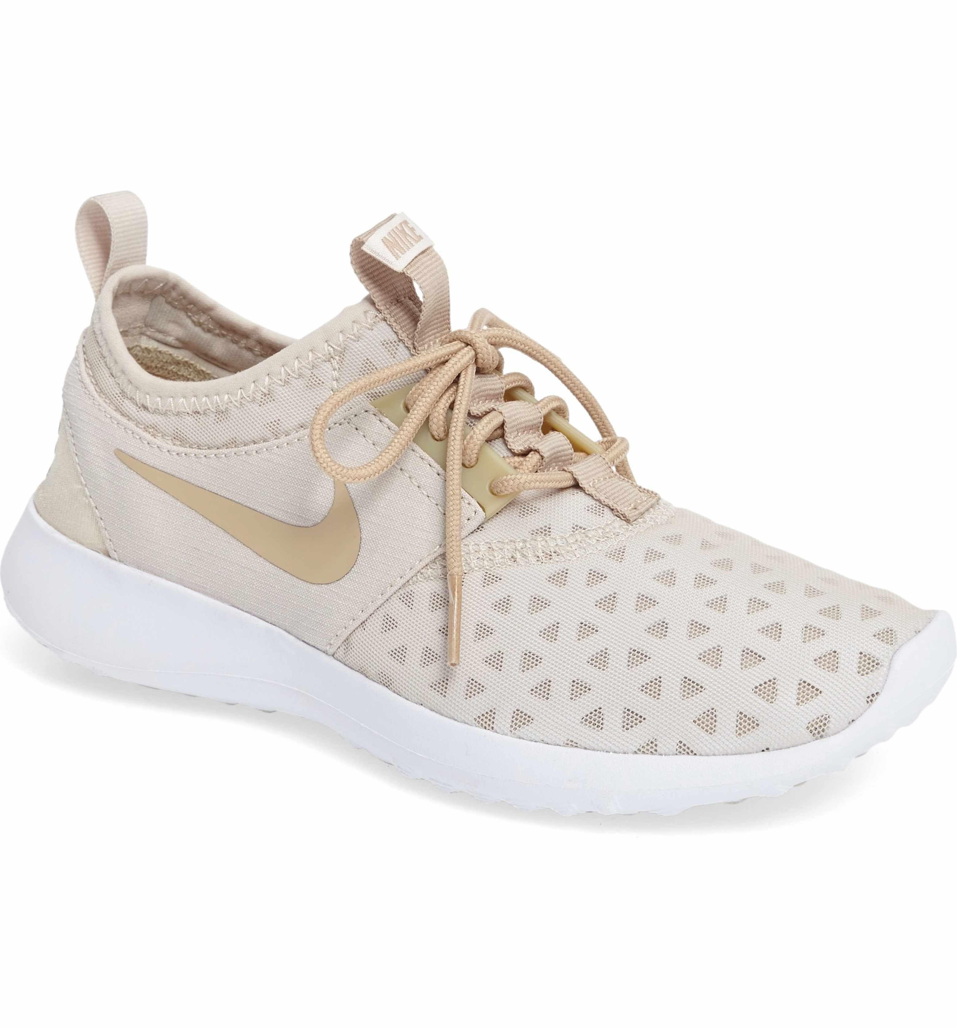 Nike Women's Low Top Sneakers Running Shoes, Beige, EU